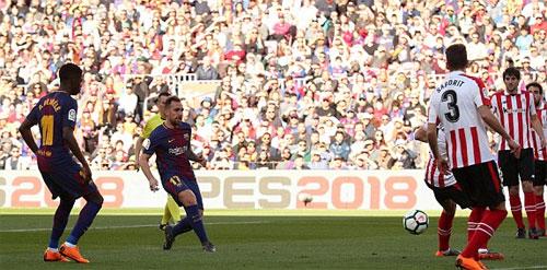Alcacer đặt lòng đơn giản lập công cho Barca.
