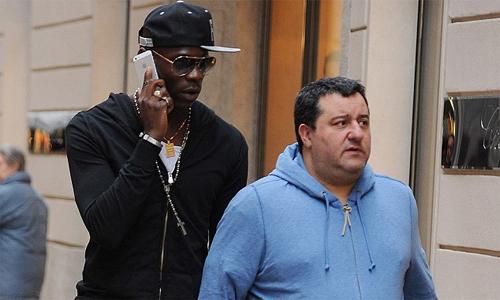 Raiola thất vọng vì nỗ lực của Balotelli không được ghi nhận. Ảnh: AFP.