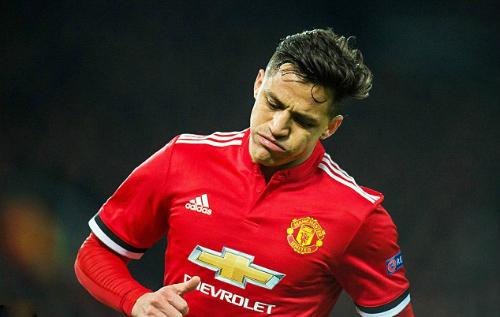 Sanchez chịu nhiều áp lực sau khi không giúp Man Utd vào tứ kết Champions League. Ảnh:EPA.