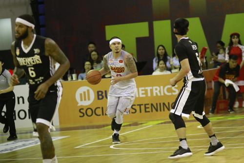 Trong bốn năm mang màu áo Saigon Heat, anh cùng đội tuyển giành được nhiều thành tích.