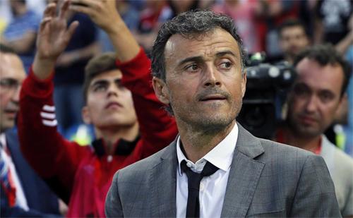Enrique là người giúp Barca giành cú ăn ba năm 2015, đồng thời làm nên chiến thắng 6-1 khi gặp PSG ở lượt về vòng 1/6 Champions League 2016-2017. Ảnh: DS