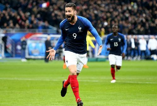 Giroud ghi bàn mở tỷ số cho Pháp. Ảnh:Rex.