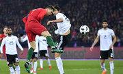 Ronaldo lập cú đúp, Bồ Đào Nha tái hiện màn ngược dòng của Man Utd