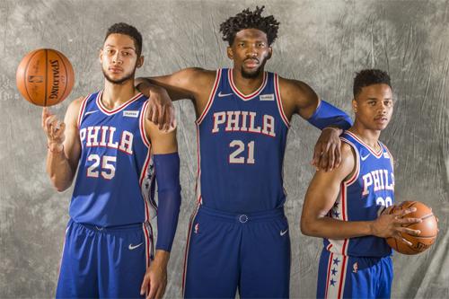 Simmons, Embiid và Fultz (từ trái qua phải) đại diện cho sự tươi mới về lực lượng của 76ers mùa này. Ảnh: Philly.