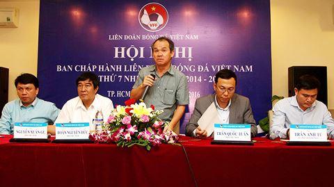 VFF góp phần đem lại thành công cho bóng đá Việt Nam trên bình diện châu lục thời gian qua, nhưng bên trong đó vẫn tồn tạinhiều vấn đềcần được thay đổi.