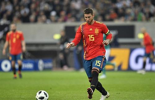 Ramos đang cùng tuyển Tây Ban Nha chuẩn bị và thi đấu loạt trận giao hữu quốc tế. Ảnh: Reuters