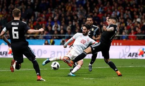 Isco tự tin hơn khi thi đấu ở đội tuyển Tây Ban Nha. Ảnh: Reuters.