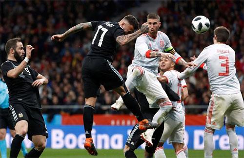 Bàn duy nhất của Argentina đến từ một trung vệ.
