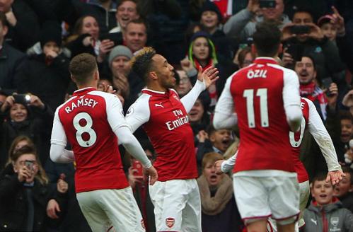 Tiền đạo người Gabon đã có năm bàn kể từ khi gia nhập Arsenal. Ảnh:Reuters.