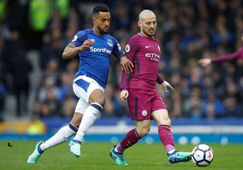 Man City chỉ còn cách chức vô địch Ngoại hạng Anh một trận thắng. Ảnh: Reuters.