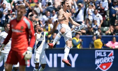 Ibrahimovic ghi dấu ấn chỉ sau 19 phút thi đấu tại MLS. Ảnh: USA Today.