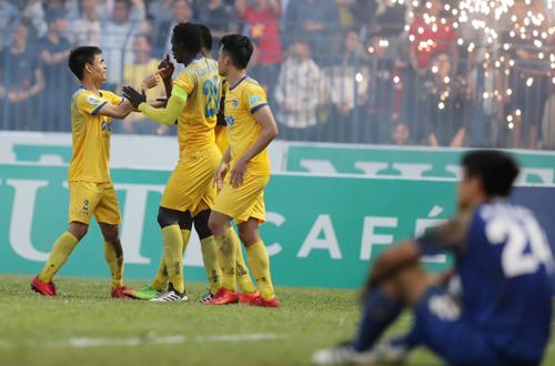 Thanh Hoá giành chiến thắng giải toả sức ép sau khi vòng trước để thua Quảng Nam. Ảnh: Quang Minh