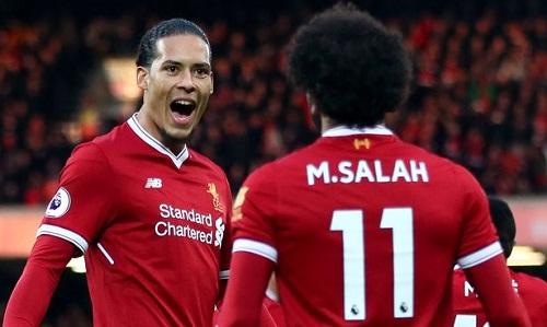 Van Dijk cho rằng mùa giải tuyệt vời của Salah có sự giúp sức của tập thể Liverpool. Ảnh: Reuters.