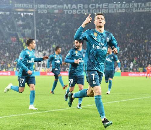 Ronaldo vẫn là cánh chimđầu đàncho Real. Ảnh:EPA.