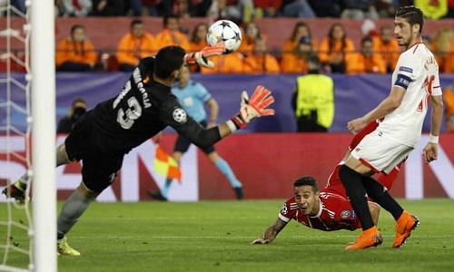 Bàn thắng của Thiago trong chuyến trở về Tây Ban Nha giúp Bayern có chiến thắng quan trọng. Ảnh: AP.