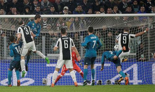 Juventus thiếu sắc bén để tận dụng cơ hội trước khung thành Real.