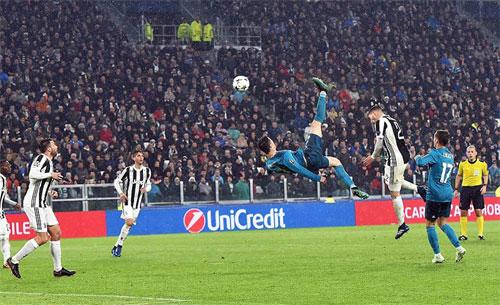 Ronaldo tỏa sáng trong thời điểm quyết định trận tứ kết lượt đi. Ảnh: EPA