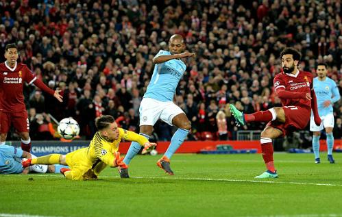 Salah ghi bàn mở tỷ số trận đấu. Ảnh:EPA.