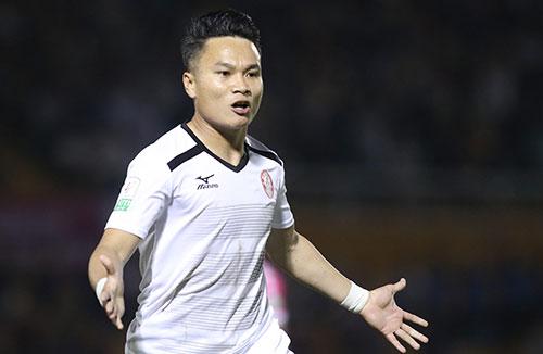Phi Sơn đã có hai bàn thắng và một kiến tạo cho CLB TP HCM sau ba trận đấu ở NutiCafe V-League 2018. Ảnh: Đức Đồng.