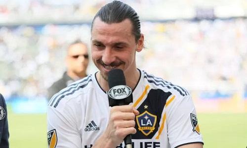 Ibrahimovic cũng vừa ghi một bàn thắng đẹp trong trận ra mắt ở MLS. Ảnh: AP.