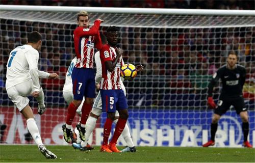 Số 7 rất hay ghi bàn khi gặp Atletico. Ảnh: Reuters