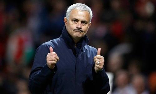 Mourinho chưa thắng Guardiola lần nào trong khuôn khổ Ngoại hạng Anh. Ảnh: PA.