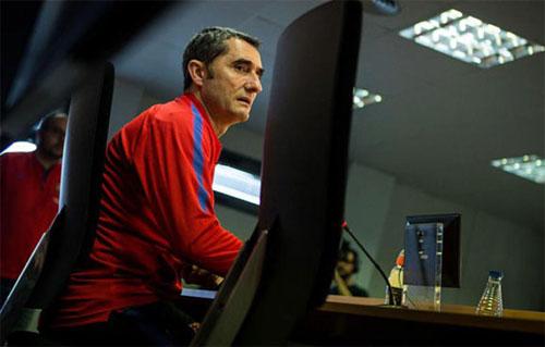 Valverde chưa thua trận nào khi dẫn dắt Barca tại La Liga và Champions League mùa này. Ảnh: Reuters