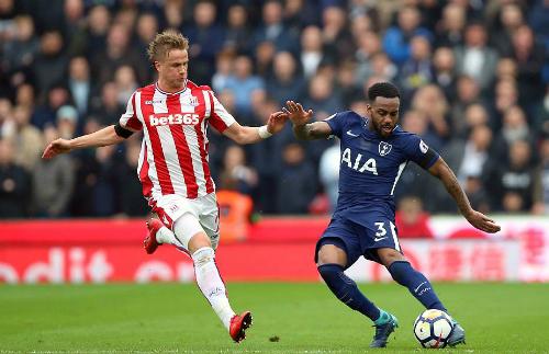 Stoke khiến Tottenham toát mồ hôi mới có được ba điểm.