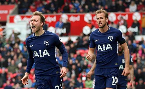 Eriksen (trái) và Kane giúp Tottenham ca khúc khải hoàn.