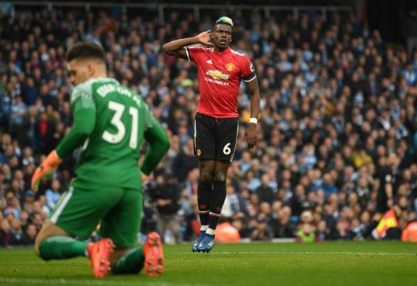 Pogba tỏa sáng đúng thời điểm hứng chịu hàng loạt chỉ trích. Ảnh:Reuters.