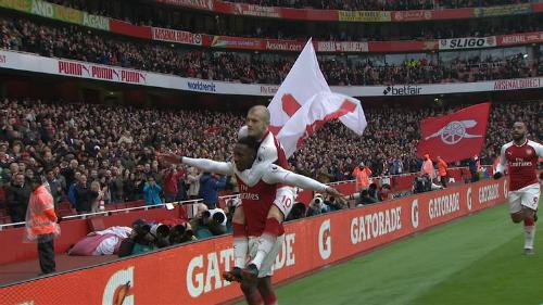 Welbeck gồng gánh cho hàng công của Arsenal trận này.