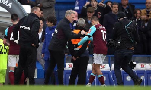 Chelsea bị chia điểm vì cựu thần tài Man Utd