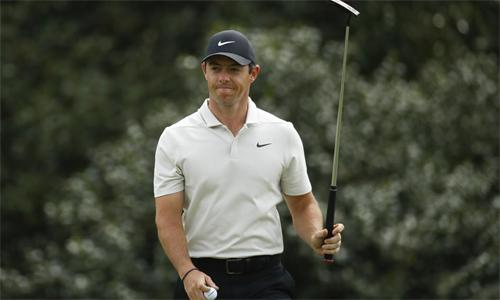 Rory McIlroy đã chơi hay ở ba vòng đầu, trước khi gục ngã trong ngày hạ màn Masters. Mùa trước, anh phải trải qua đợt điều trị chấn thương kéo dài và đang uống thuốc trợ tim mỗi ngày.
