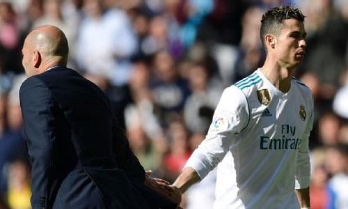 Zidane muốn giữ sức cho Ronaldo đá tứ kết lượt về Champions League với Juventus. Ảnh: AFP.