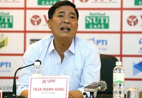 Ông Trần Mạnh Hùng khẳng định sân Lạch Tray tốt, đủ điều kiện thi đấu.