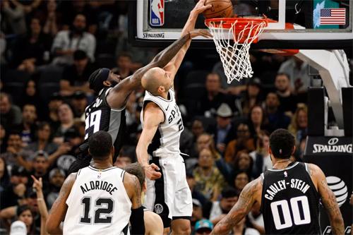 Manu Ginobili (trắng, lên rổ) tỏa sáng trong hiệp bốn giúp Spurs thắng ngược Kings và giành vé play-off. Ảnh: USA Today.
