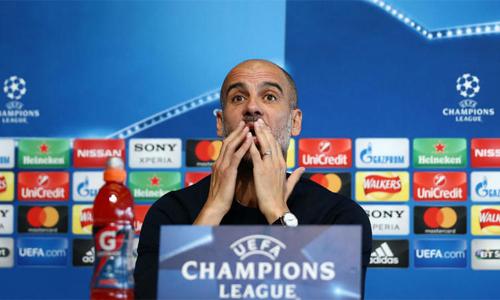 Guardiola kêu gọi học trò chắt chiu cơ hội ở trận lượt về. Ảnh: AFP.