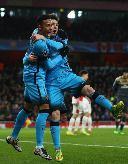 Neymar và Messi rất thân nhau trong thời gian chơi chung tại Barca. Ảnh: Reuters