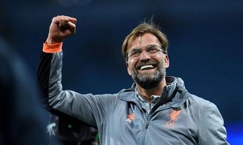 Klopp bị sốc khi nghe tin Barca bị Roma loại. Ảnh: AFP.