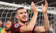 Dzeko: 'Tôi chưa bao giờ thấy Barca khốn đốn như hôm nay'