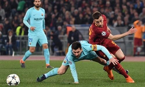 Messi bất lực trước AS Roma đêm 10/4. Ảnh: AFP.