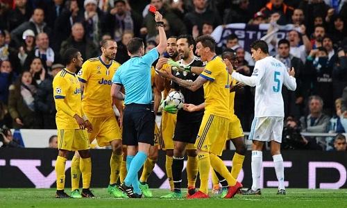 Ronaldo ghi bàn phút bù giờ, cứu Real khỏi thảm kịch như Barca