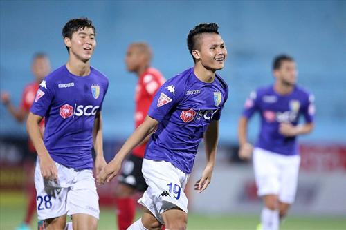 Quang Hải và Duy Mạnh được là tương lai của CLB Hà Nội. Ảnh: Minh Hoàng