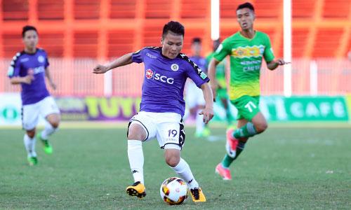 Quang Hải ra sân từ đầu nhưng chưa thể hiện được nhiều và bị thay ra ở giữa hiệp hai. Ảnh:Đức Đồng.
