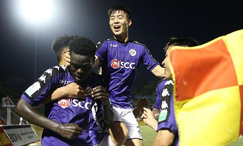 Hà Nội lên đỉnh bảng sau hai lượt trận của V-League 2018. Ảnh:Đức Đồng.