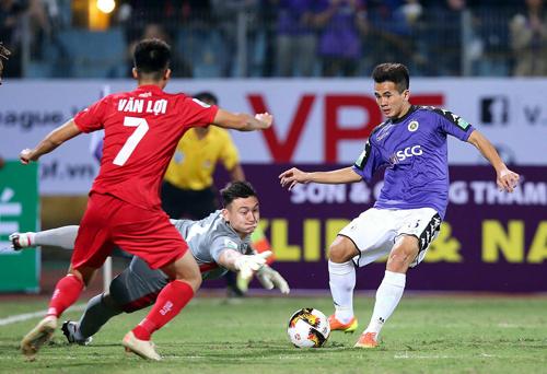 Lâm Tây là một trong những thủ môn hay của V-League hiện tại. Ảnh: Minh Hoàng