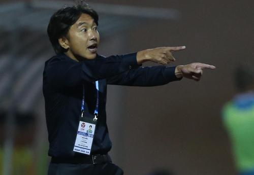 HLV Miura đặt mục tiêu cùng TP HCM lọt vào Top 3 V-League 2018. Ảnh: Quang Minh