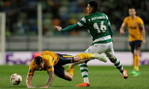 Sporting Lisbon chơi rất hay để đánh bại Atletico ở lượt về, nhưng không đủ để san bằng cách biệt hai bàn mà họ thua trên sân khách từ tuần trước. Ảnh: Reuters.