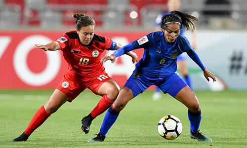 Thái Lan (áo xanh) dễ dàng thắng Philippines để giành ngồi nhì bảng A. Ảnh: AFC.
