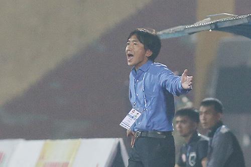 HLV Miura được giao chỉ tiêu giúp TP HCM lọt vào top 3 V-League 2018. Ảnh: Lâm Thỏa